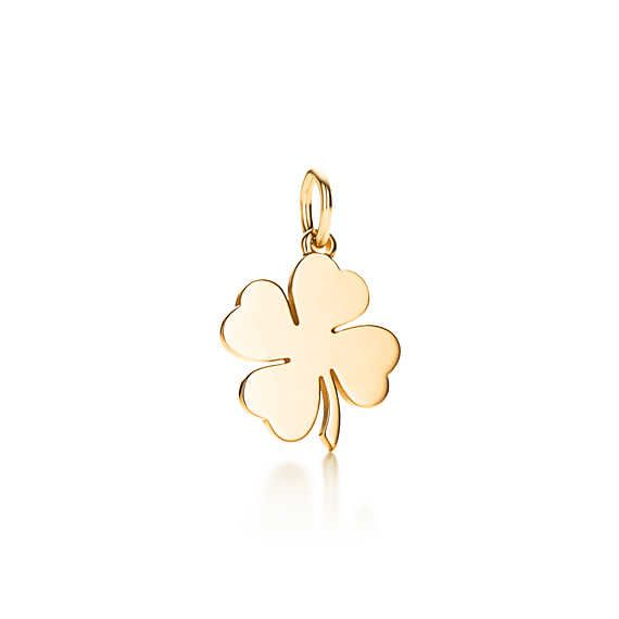 Four Leaf Clover charm in 18k gold.