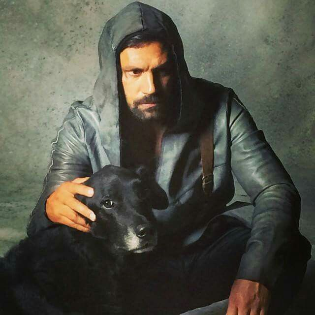 ... & Family on Pinterest | Manu bennett, Spartacus and Stephen amell