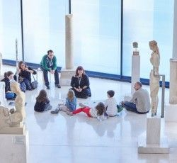 A Christmas activity for kids by the Acropolis museum, created to teach the little museum visitors the marine world of the art of the Acropolis in the most creative way.