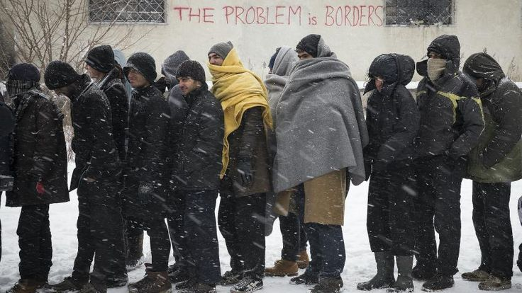 "Pengungsi di Eropa berjuang untuk bertahan hidup di tengah musim dingin mematikan  ATHENA (Arrahmah.com) - Pengungsi yang terdampar di Eropa sedang dilanda musim dingin yang ekstrim. Sedikitnya enam orang - tiga pengungsi di Bulgaria satu di Yunani dan dua pengungsi di Lebanon - meninggal dunia akibat suhu dingin di bawah nol derajat dan hujan salju yang tebal di seluruh wilayah ini.  Badan migrasi PBB telah membuat permohonan bantuan mendesak untuk membantu para pengungsi ini.  ""Sangat…"