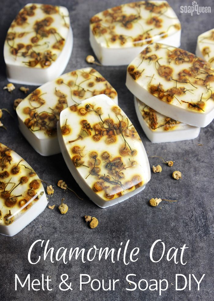 Chamomile Oat Melt and Pour Bars // Learn how to make these soothing soaps, made with chamomile extract and dried chamomile herb.