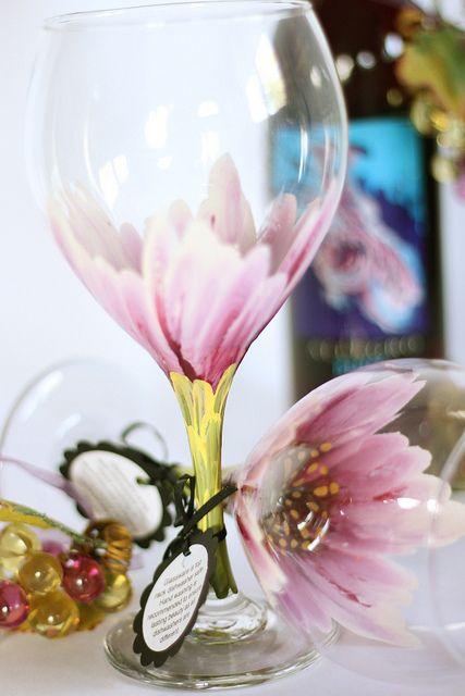 Bela decoração em taças de vidro!