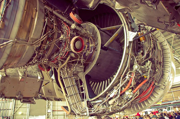 Airbus A-380 Rolls-Royce Trent 900 Engine (1000×664)