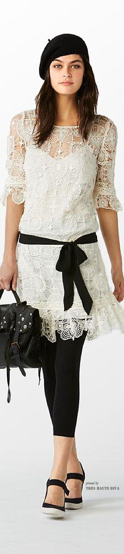 As boinas francesas trazem o famoso estilo caído de lado no qual é o seu charme e diferencial. Neste inverno o acessório será muito usado pelas mulheres, afim de quebrar o tal tabu de que mulheres não combinam com bonés entre outros acessórios que se trata de chapéus.
