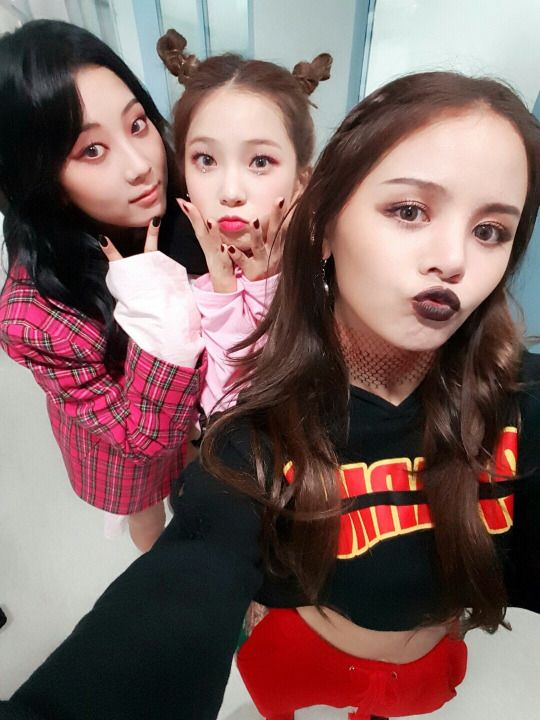 Seungyeon, Yujin and Sorn - CLC