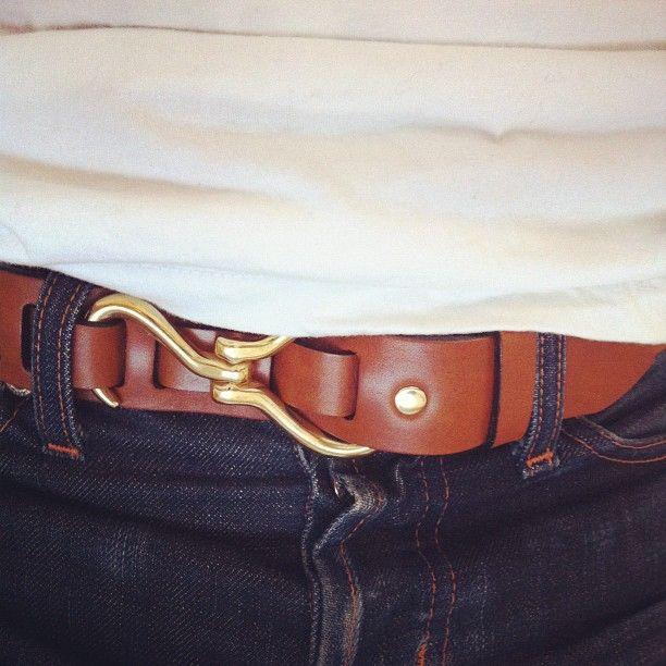 eye-hook belt.: Belts Buckles, Gentleman Fashion, Men Style, Men Accessories, Hooks Belts, Men Belts, Men Fashion, Belts Hooks, Eyehook Belts
