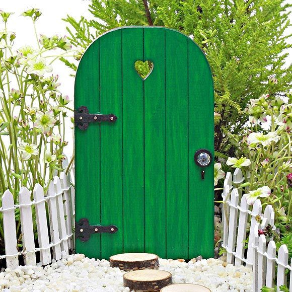 109 best images about fairy doors on pinterest gardens for Fairy door with key