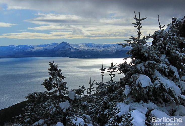 Postal invernal de Bariloche en primavera.