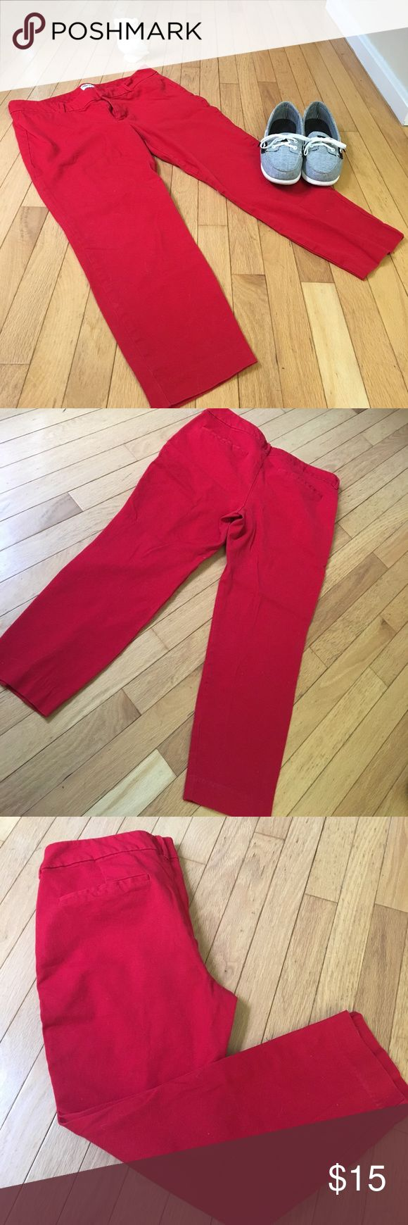 🌹 Old Navy Pixie Red Coral Capris Lovely Pixie Mid-Rise Ankle Pants with double hook-and-bar closure with interior button closure. This pant includes slant pockets in the front and decorative faux welt pockets in back. Four way stretch for a supremely flattering fit and feel! 🌹🌹 Old Navy Pants Capris