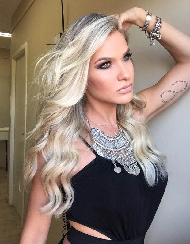 Blonde                                                                                                                                                      Mais