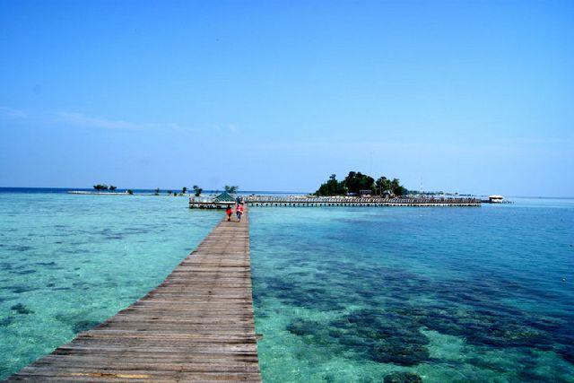 Tak perlu pusing bila anak merengek untuk pergi ke pantai. Empat pantai ini selain mempunyai pemandangan menawan dengan langit dan laut biru jernih dan pasir putih, berlokasi di wilayah DKI Jakarta!