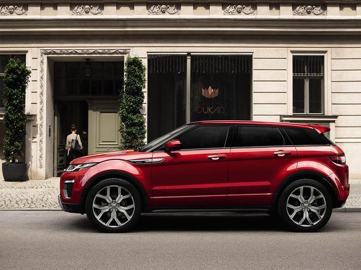 Duruşu bile çevrenizi etkilemeye yeter. Range Rover Evoque. #LandRover