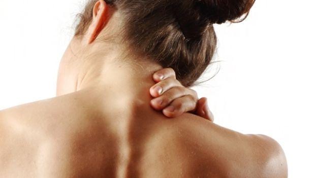 Dolori al collo? Ecco gli esercizi anti-cervicale
