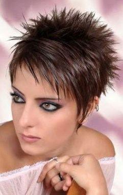 Beau Modèle de coiffure femme cheveux court sur Modele