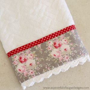 Holiday Guest Towel with Crochet Trim. Great #DIY gift.