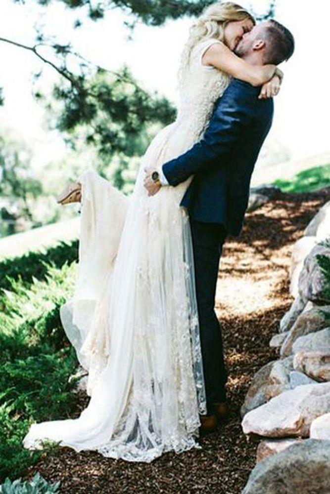 Breathtaking Wedding Kiss Photos ❤ See more: http://www.weddingforward.com/wedding-kiss-photos/ #weddings