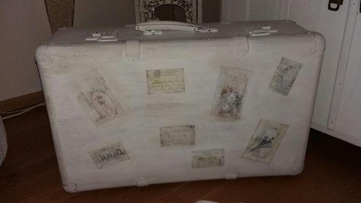Tuunattu vintage matkalaukku