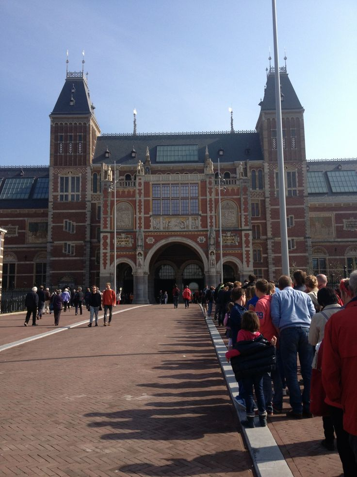 The Rijksmuseum in Amsterdam is one of the worlds best art museums. With countless masterpieces including 'The Girl with the Pearl Earring' and 'The Nightwatch'