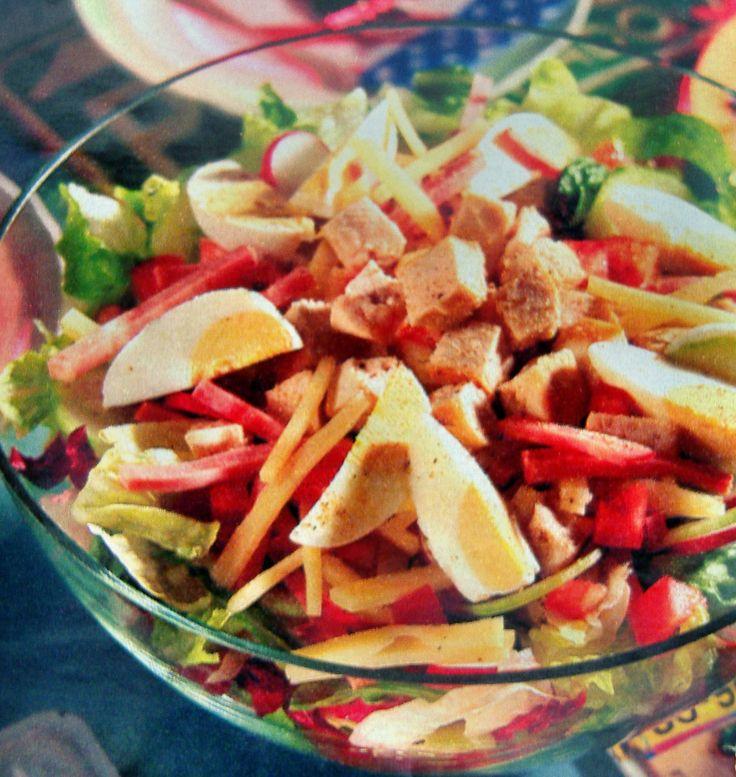 Салат - коктейль из курицы с виноградом