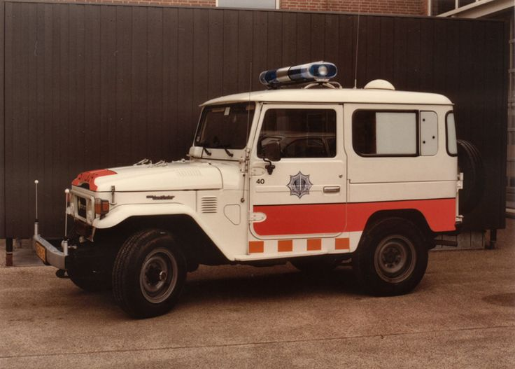Classic Police car Netherlands, Toyota Landcruiser politie Apeldoorn