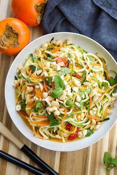 Thai Salat-Dressing für einen Thai-Zucchininudeln-Salat Rezept mit Karotten und Kaki oder Mango, Glutenfrei, Low-carb, low-fat, gesund
