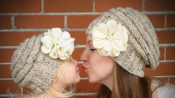 Cappelli di lana per bambina con fiore