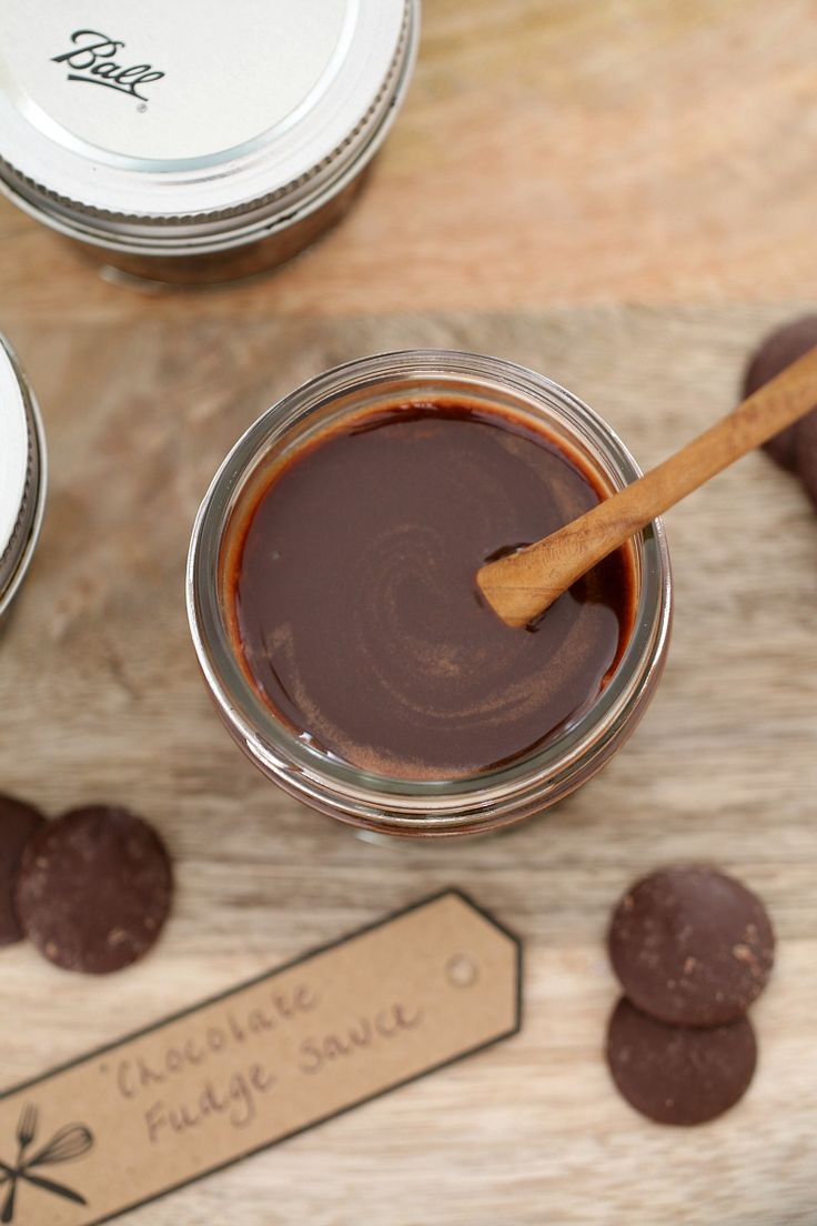 An absolute chocoholics delight! This Chocolate Fudge Sauce is sure to leave you drooling. 5 ingredients and 5 minutes prep time... it couldn't be any easier (or more delicious!). #chocolate #fudge #sauce #recipe #easy #conventional #thermomix