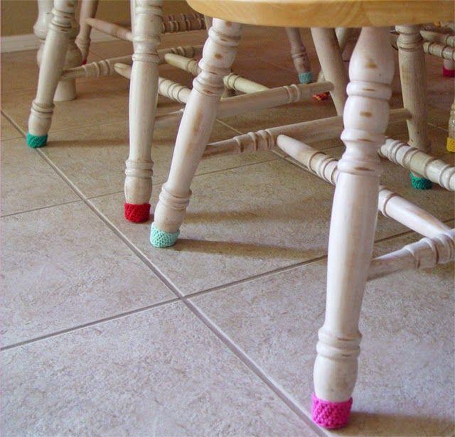 #crochet, chair socks, free pattern, #haken, gratis patroon (Engels) stoel glijders, anti-kras sokken voor je stoel