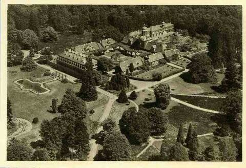 """Wolf Garden Castle"""" a former hunting seat of the ruling family of Hesse-Darmstadt, located in the German state of Hessen. The hunting lodge was established between 1722 and 1724 by Landgrave Ernst Ludwig of Hesse-Darmstadt."""
