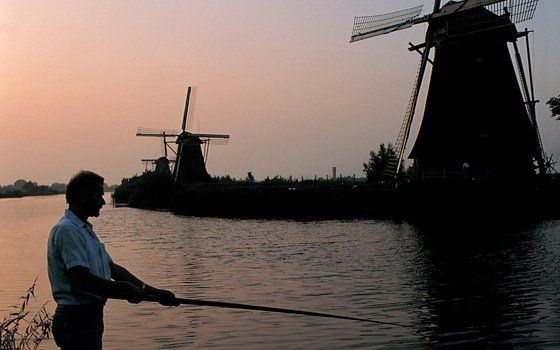 The Mills of Kinderdijk - Culture - Holland.com  One of the many protected world UNESCO sites in Holland