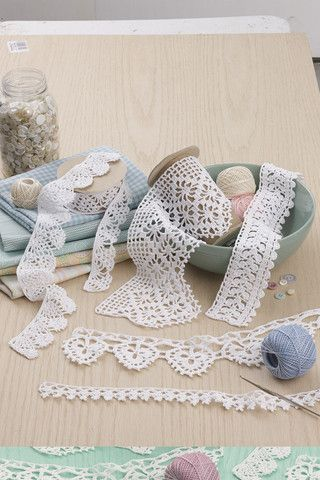 Picture of 50 Fabulous Thread Crochet Edgings
