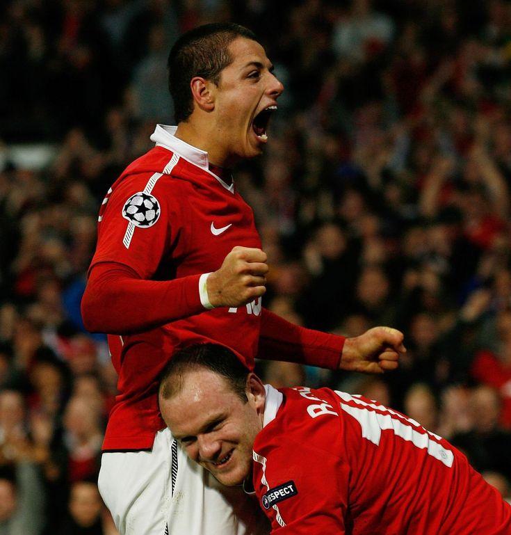 Javier Hernandez (Utd) celebrates scoring Man Utd's first goal with Wayne Rooney in their 2-1 victory over Chelsea. 12/04/2011