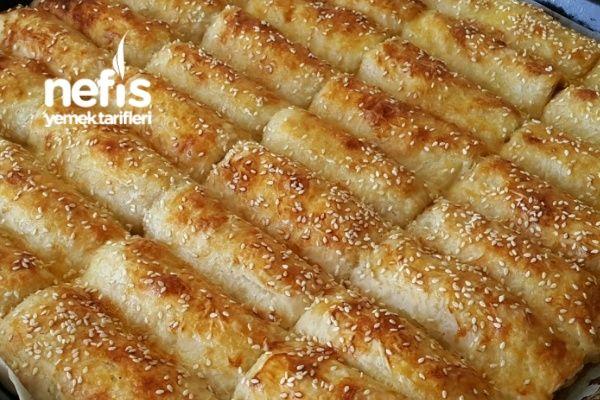 Baklava Yufkasıyla Patatesli Börek Tarifi nasıl yapılır? 10.036 kişinin defterindeki bu tarifin resimli anlatımı ve deneyenlerin fotoğrafları burada. Yazar: hüsniye şimşek