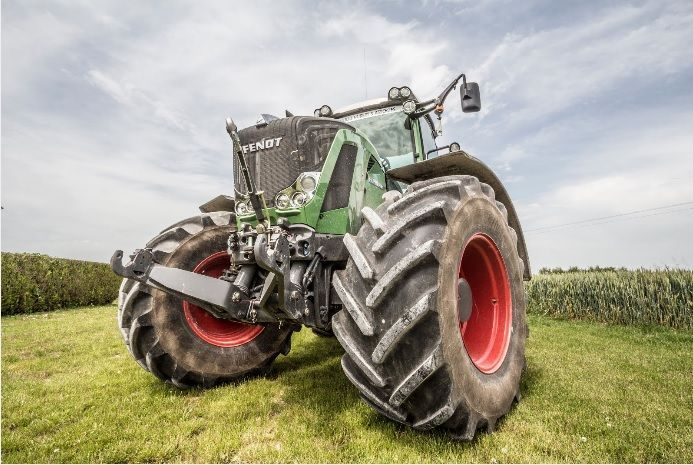 http://www.terre-net-occasions.fr/tracteur-agricole/fendt-819-vario/a644043