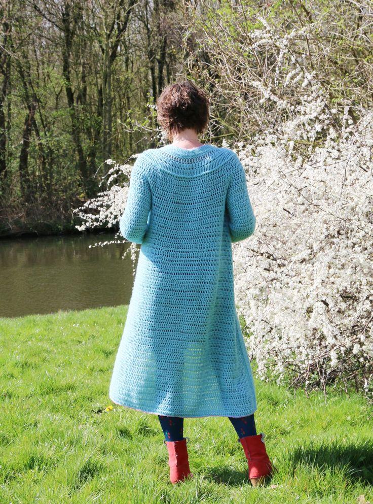Alles is haken-vest blauw van Saskia Laan.