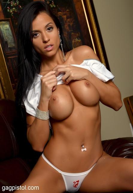Hot girls naked on cam