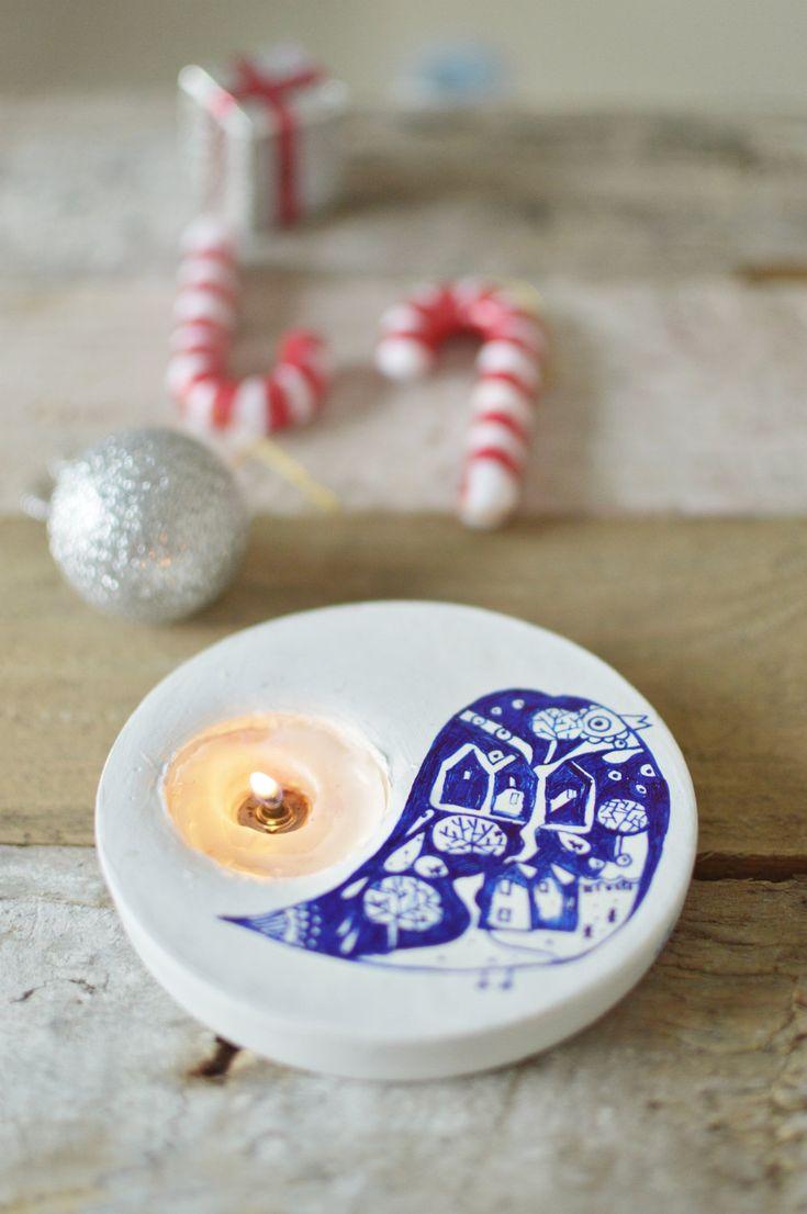 Easy tealights from plaster of Paris. Tutorials here: http://trumatter.in/diy/handmade-christmas-gifts-diy-plaster-of-paris-tealight-holder/