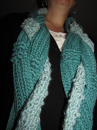 Hooked Holla Closeup: Holla Closeup, Infinity Scarfs Crochet, Braids Infinity, Hooks Holla, Crochet Scarves, Free Patterns, Crochet Patterns, Holla Infinity, Scarfs Patterns