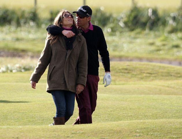 Liz Hurley est trop green ! L'actrice est venue soutenir son compagnon Shane Warne lors du tournoi de golf Alfred Dunhill Links Championship à Carnoustie, en Écosse