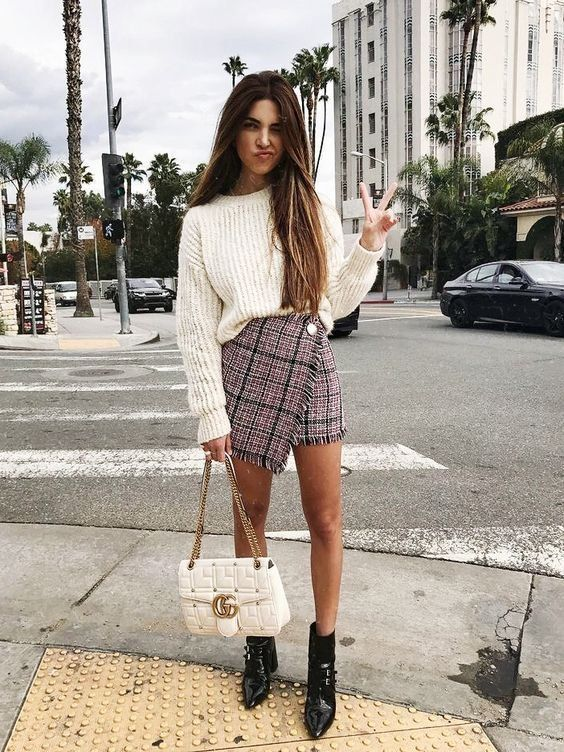This is a casual preppy look that has gotten a bit of SVW style! – fashion clothes women