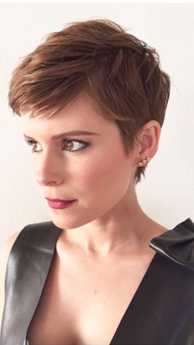 Kate Mara, brunette short pixie crop. Follow Pithy Flamingo for more women's hair styles.