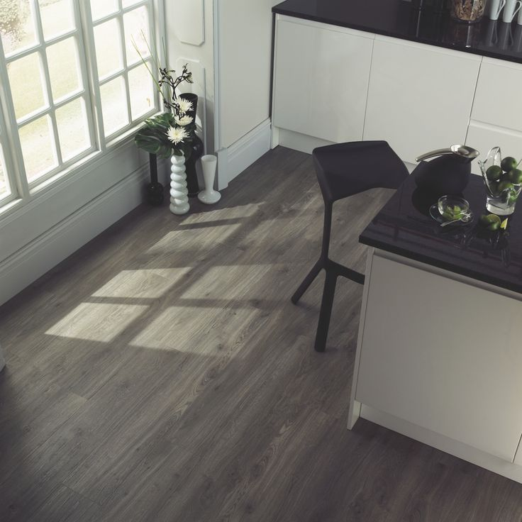 Amtico Spacia Weathered Oak. www.amtico.com