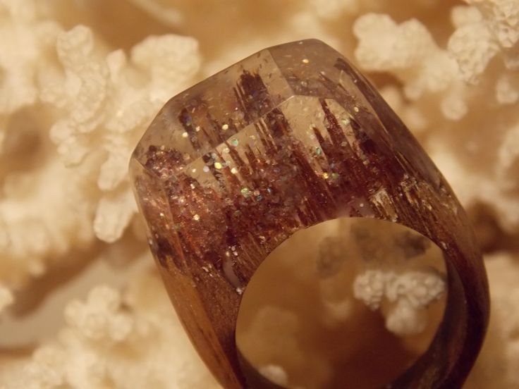 Wooden ring with glitter style by L'arbre design