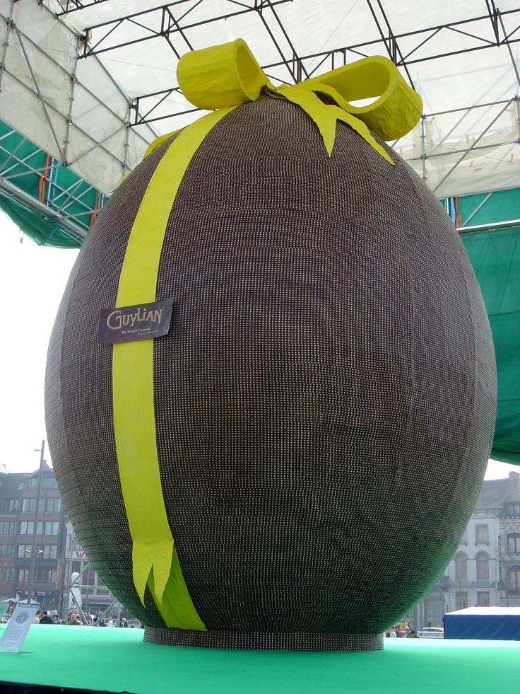 Photograph, picture of a giant Chocolate Easter Egg; Guiness world record Giant Chocolate Easter Egg in Belgium.