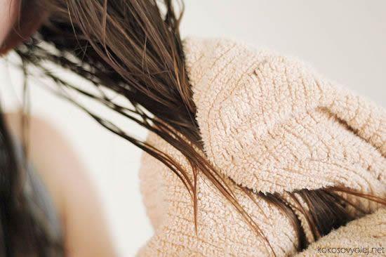 šampón z kokosového oleja | wikihow.com