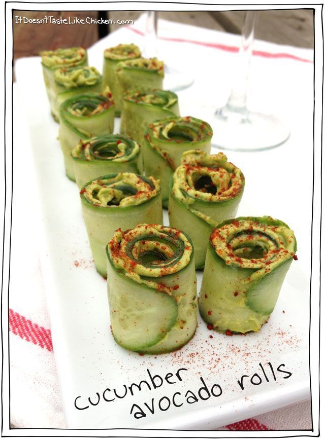 "Gluten free appetizers for parties Cucumber Avocado Rolls ""A really easy, pretty, appetizer that is perfect for vegans, vegetarians, gluten free, and healthy eating. These are like little mouth explosions!"" ""1 Avocado ¼ Cup of Basil Leaves (a small bunch) 1 Clove Garlic 2 teaspoons Lime Juice ¼ teaspoon Salt 1 Tablespoon Nutritional Yeast Several Grinds of Pepper 1 Cucumber Smoked or Sweet Paprika for Garnish"""