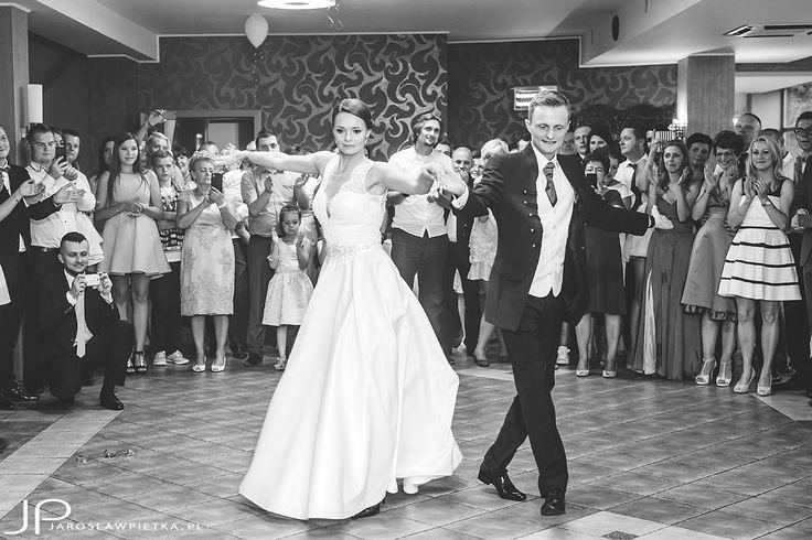 Fotograf ślubny Warszawa #weddingphotography #weddingday #weddingphotography #weddingphotographer #fotografiaslubna #bride #groom #weddingday #weddinginspiration