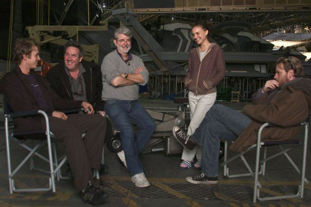 George Lucas, Ewan McGregor, Natalie Portman, Hayden Christensen and Rick McCallum in Star Wars: Episode III - Revenge of the Sith (2005)
