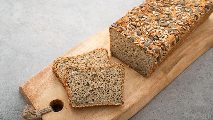 Drożdżowy bezglutenowy chleb z ziarnami