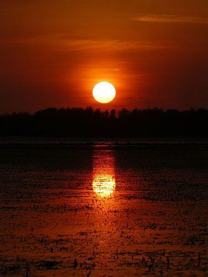 Sunset at Gili Air,, Indonesia |  Travel Guide to Lombok and Gili Islands |  http://allindonesiatravel.com/